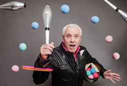 """Dave Spikey """"Juggling on a Motorbike"""""""