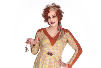 CRAIG REVEL HORWOOD TO STAR AS MISS HANNIGAN IN ANNIE