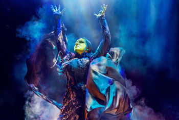 """""""OUT OF THIS WORLD"""" WICKED IS A WIZARD HIT IN BRADFORD"""