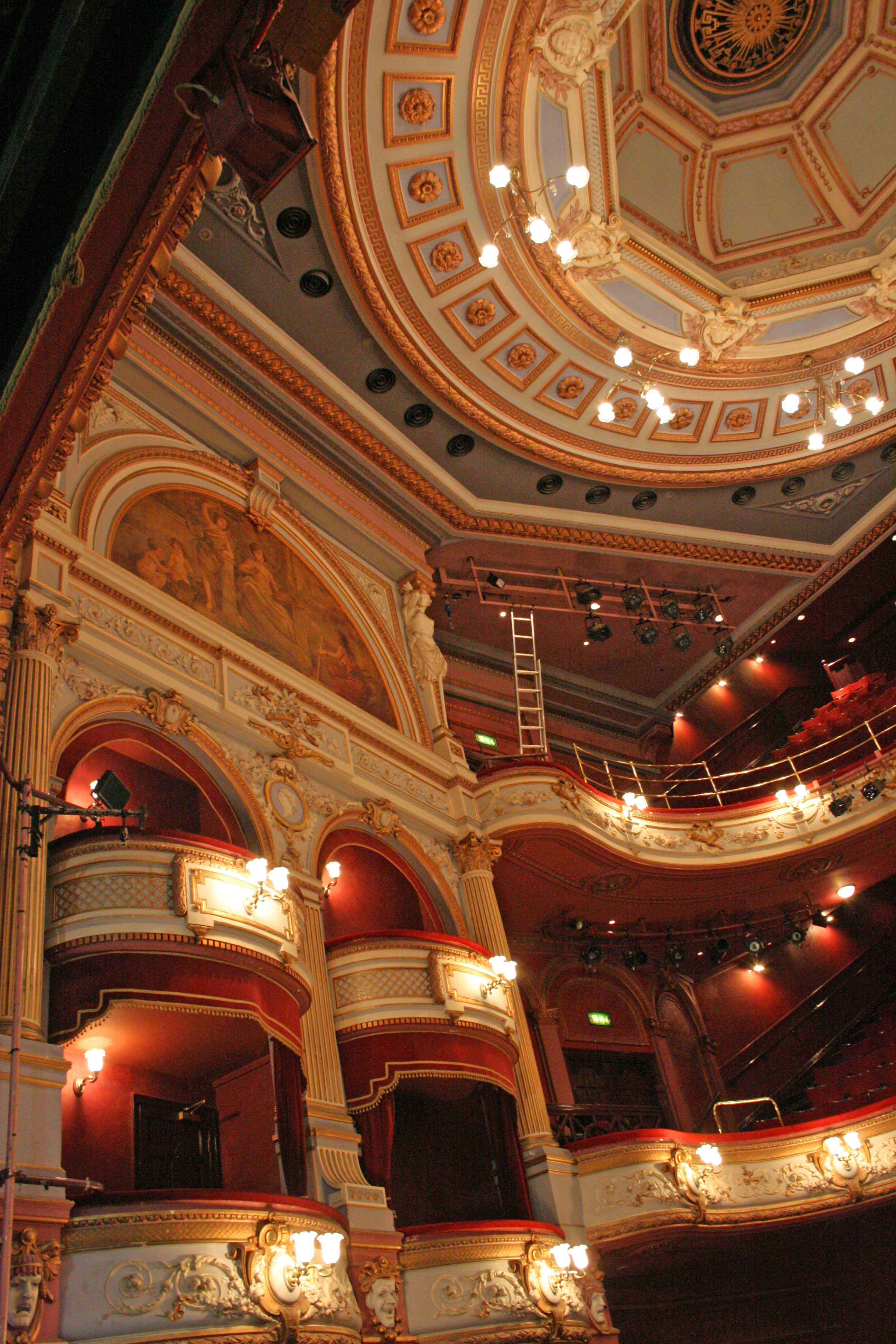 the alhambra theatre bradford