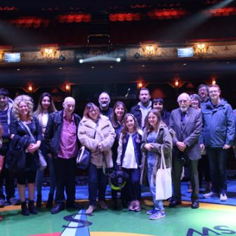 Peter Pan - Premium Friends Backstage Tour – group photo