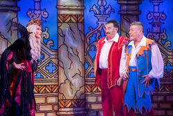 SNOW WHITE AND THE SEVEN DWARFS PANTO OPENS TO PACKED HOUSES AT THE ALHAMBRA THEATRE