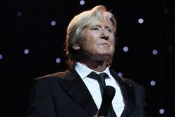 The 'Singer's Singer' is back - Joe Longthorne in Concert