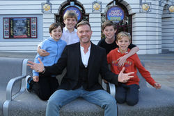 DARREN DAY OFFERS GOOD LUCK AND CONGRATULATIONS AT ALHAMBRA THEATRE'S OPEN AUDITIONS