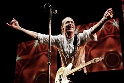 Francis Rossi back on the road and bringing new show to Bradford!