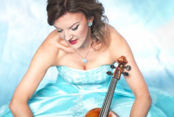 One of Britain's finest violinists Tasmin Little makes a welcome return to Bradford
