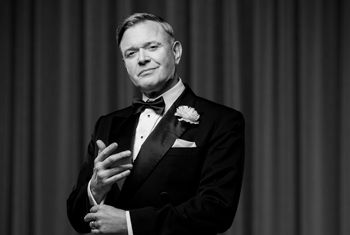 West End and TV Star Darren Day to perform in the musical CHICAGO