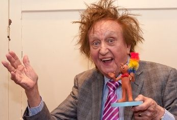KEN DODD BRINGS HIS HAPPINESS SHOW BACK TO BRADFORD