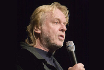 Rick Wakeman Takes a Stroll Through His Life and Career to Date