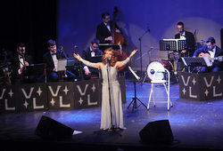 Photo for Sincerely Yours - The Vera Lynn Story